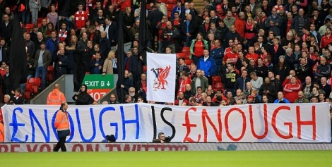 1414248646425_wps_6_Liverpool_fans_protest_wi