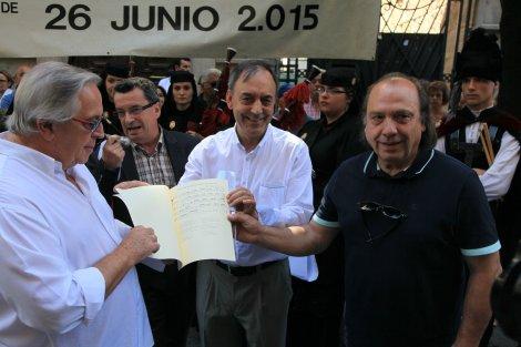 26-06-2015.Atox y el nuevo himno de la UDO, obra de O Carrabouxo y Foxo. José Paz