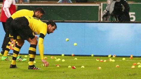 _88196216_dortmundtennisballs