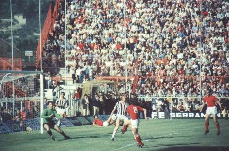 Serie_A_1975-76_-_Perugia_vs_Juventus_-_Renato_Curi