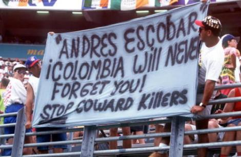1994 World Cup Finals, Orlando, USA, 4th July, 1994, Holland 2 v Republic of Ireland 0, Fans pay tribute to murdered Colombian footballer Andreas Escobar  (Photo by Bob Thomas/Getty Images)