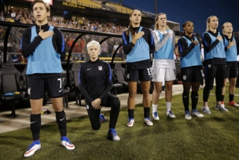 megan-rapinoe-soccer-kneel-national-anthem