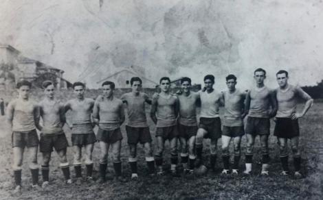 (Rosal FC en el 'Carmín de la Pola', Siero, en 1934)